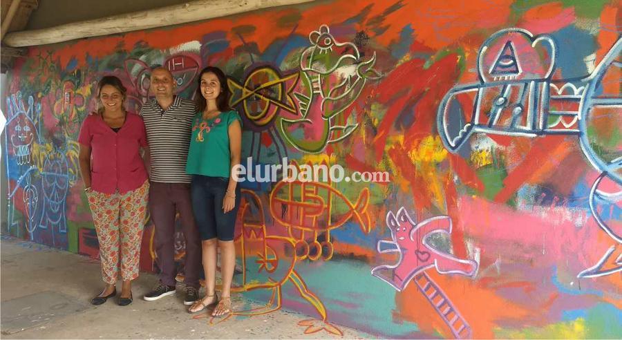 Los Concurrentes Del C E T Dejaron Estampado Su Arte En Un Mural